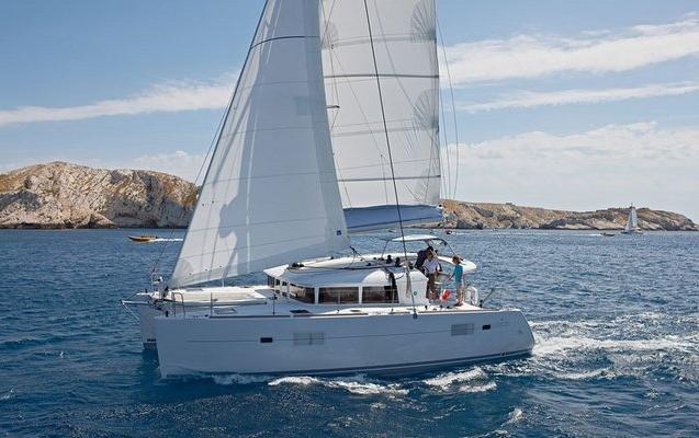 Lagoon 40 S2 Catamaran