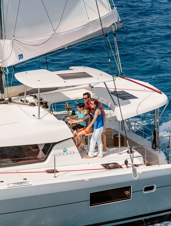 Istion_Yachting_Lagoon42_ca.jpg
