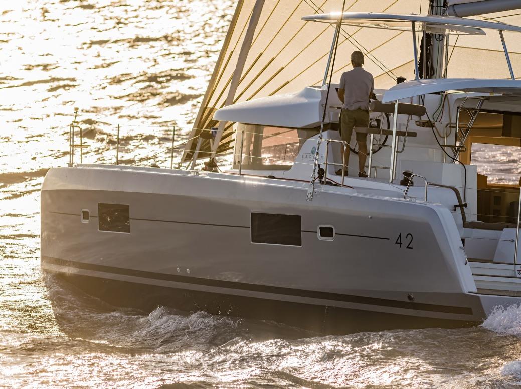 Istion_Yachting_Lagoon42_cca.jpg